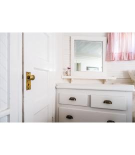 Jak praktycznie urządzić małą łazienkę?